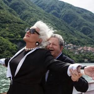 Amici come prima: la conferenza di Boldi e De Sica all'Hotel Vesuvio