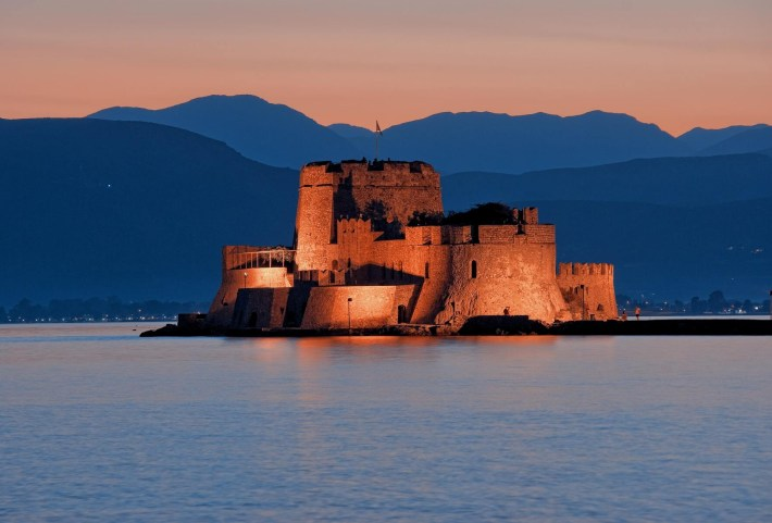 The battle between mainland and the islands: Athens, Peloponnese & Corfu