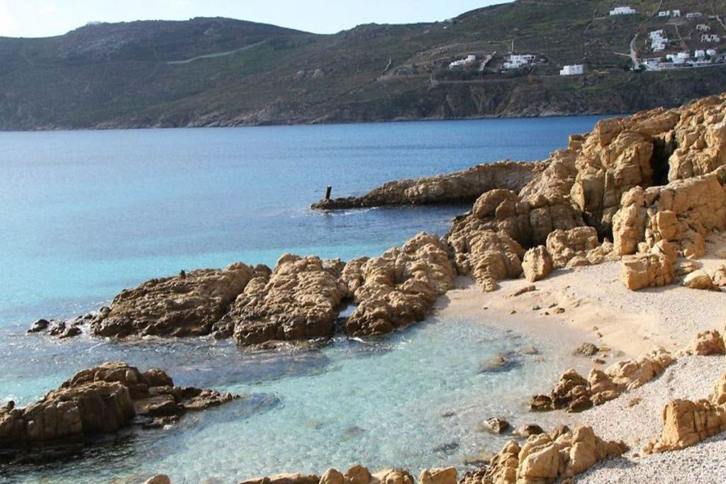 loulos-beaches-for-couples-in-Mykonos
