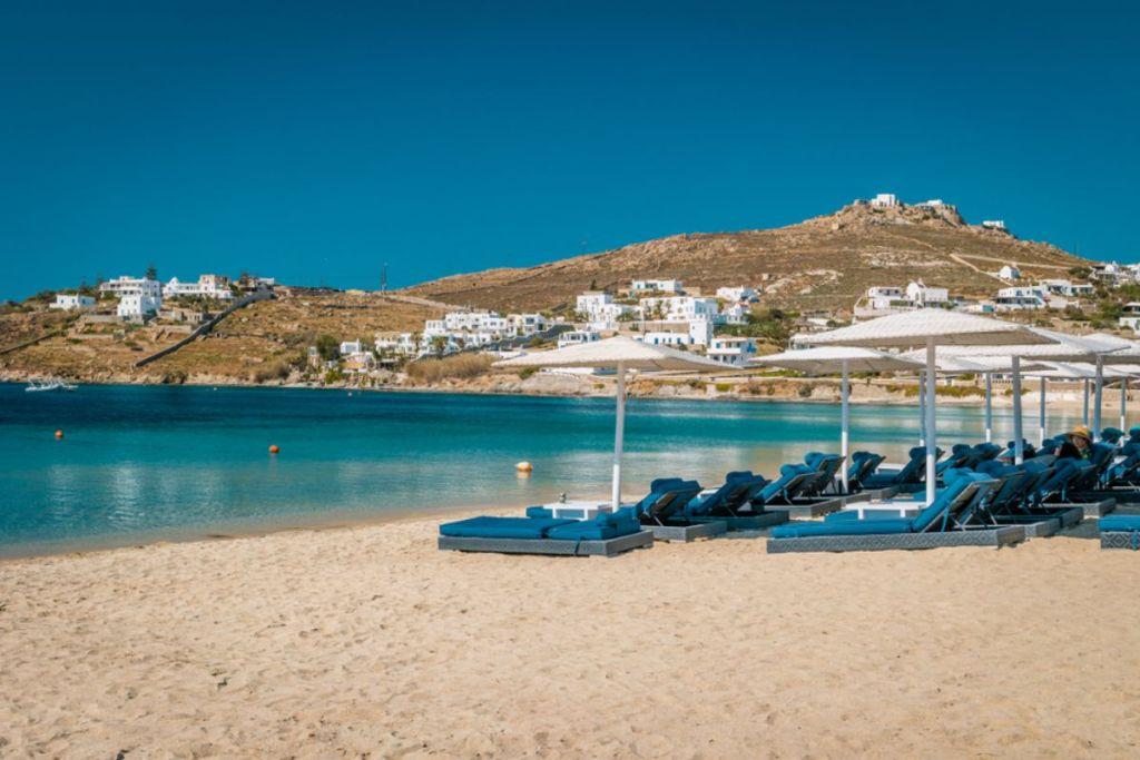 ornos-beaches-for-couples-in-Mykonos
