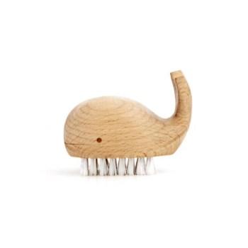spazzola per unghie in legno - wooden whale brush - R nel bosco