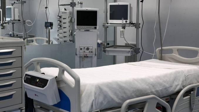 Θετικά αποτελέσματα από τον συνδυασμό μονοκλωνικών αντισωμάτων – Μείωση κινδύνου νοσηλειών και θανάτου