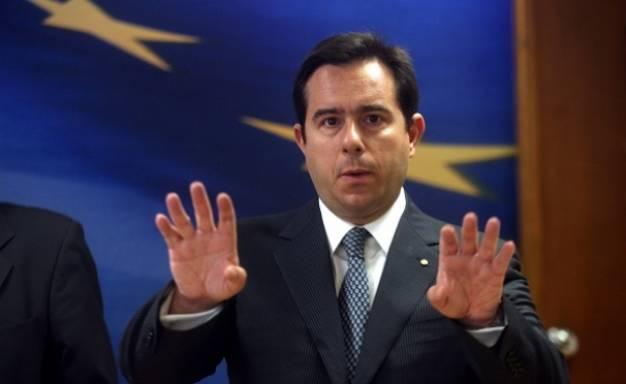 Μηταράκης: Κατέχει τίτλους σε εταιρεία που εκμεταλλεύεται τον ελληνικό χρυσό