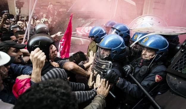 Συγκρούσεις αστυνομίας-διαδηλωτών στη Ρώμη (Videos-Photos)
