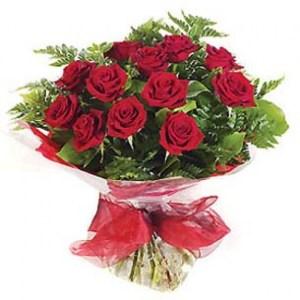 kırmızı güller buket aranjman