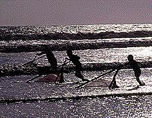 Rema mar adentro y echa las redes para la pesca