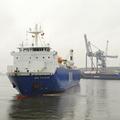 MN Toucan salir del puerto de Bremen