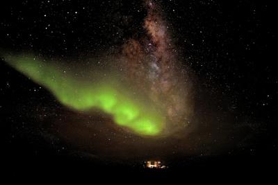 Aurora Australis over Antarctica's Concordia research station