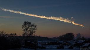 Asteroide traza sobre Chelyabinsk, Rusia, el 15 de febrero 2013