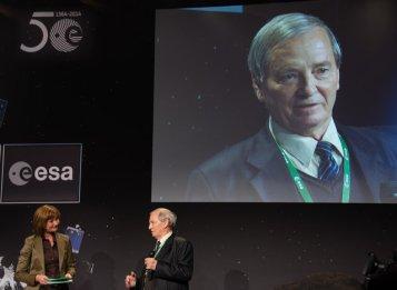 Ο Δρ Dr Klim Ivanovych Churyumov στο ESOC, 12 Νοεμβρίου 2014