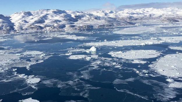 Sentinel-1B_services_tracking_sea_ice_large.jpg