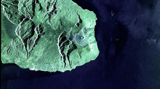 La_Reunion_Island_via_laser_large.jpg