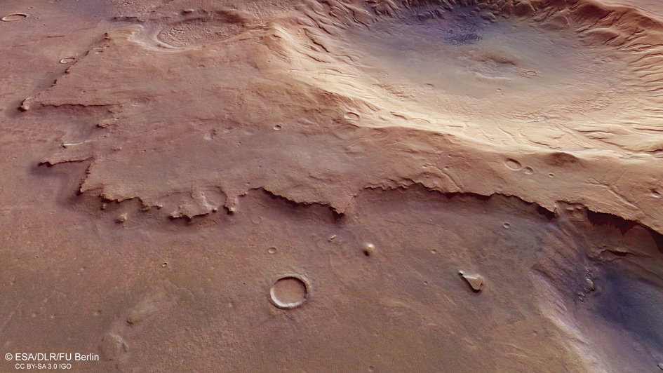 Mars Express spies a nameless and ancient impact crater