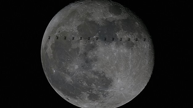 Space_Station_Moon_large.jpg