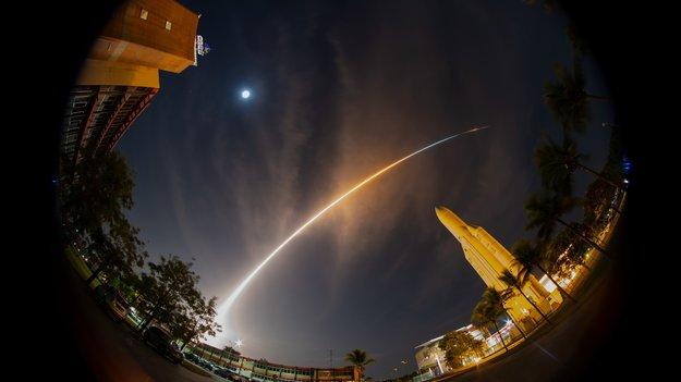 BepiColombo_liftoff_large.jpg