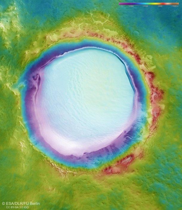 Korolev kraterinin topografyası
