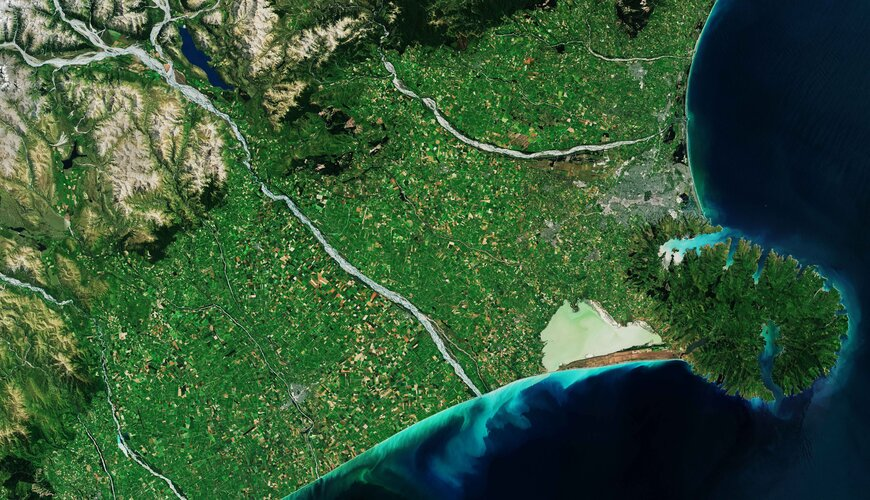 The Copernicus Sentinel-2 mission takes us over the Banks Peninsula on the South Island of New Zealand.