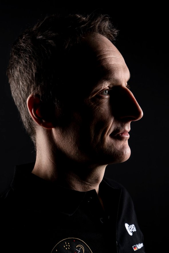 Matthias Maurer official portrait