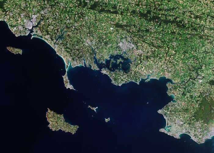 The Copernicus Sentinel-2 mission takes us over Morbihan – a French department in the south of Brittany.