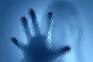 O que significa impor as mãos?