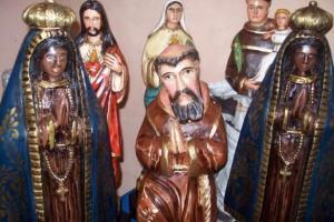 Posso ser salvo se frequentar o catolicismo e adorar imagens?