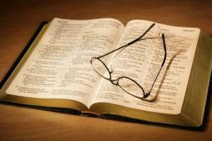 6 planos de leitura bíblica super legais