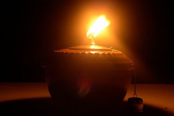Ilustrações Cristãs: Não deixe a lamparina se apagar, senão...