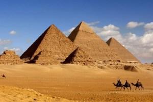 Os israelitas passaram 400 ou 430 no Egito? Por que a Bíblia cita os dois números?