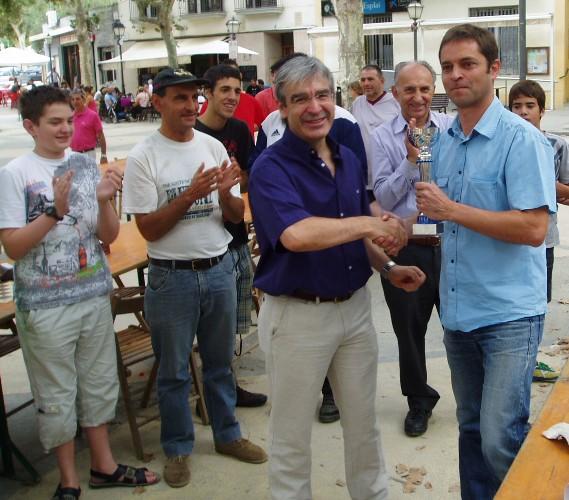 L'Alcalde (a l'esquerra) i Josep Maria Pitarque