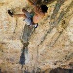 Marco Jubes escalando en Rodellar - Foto Bernardo Giménez