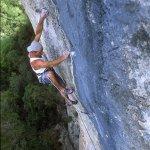 Jordi Salas escalando en Arbolí Tarragona