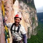 Alfredo Rangel (Yupi) cerca de la cumbre del Wacuperö Amurí 5.12+ L17 Tepuy Amurí