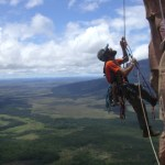 Escaladores venezolanos en el Acopan Tepuy
