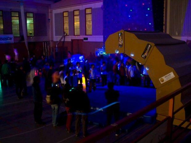 """1er Open de Escalada Nocturna de Velocidad y Bloque """"Ligth Holds"""""""