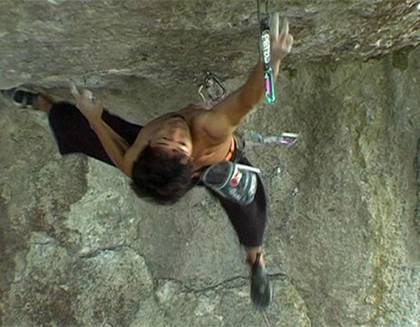 Video del escalador japonés Dai Koyamada en Action Directe 9a