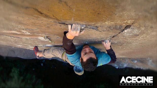 Video escalada deportiva Tomas Ravanal en FA Gecko 8a+/b en Chile