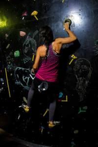 Valeria Brojas Competencia de boulder AteneoRockClub Maracaibo - Venezuela