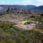 Campamento base Escalada boulder en el Auyantepuy Venezuela