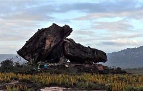 Video escalada boulder en el tepuy Auyantepuy de Venezuela
