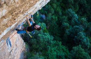 Video escalada deportiva Felipe Camargo realizando Era Vella 9a en Margalef Catalunya