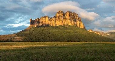 Expedición de escaladoras venezolanas al Acopan Tepuy 2017 Venezuela