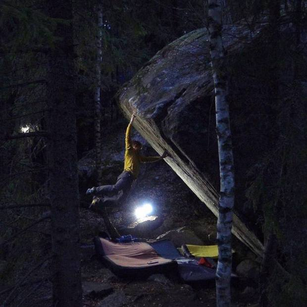 Video escalada Boulder: Nalle Hukkataival en Burden of dreams 9a Finlandia