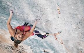 Video escalada deportiva: Sasha Digulian en Full Equip T1 8c en Oliana