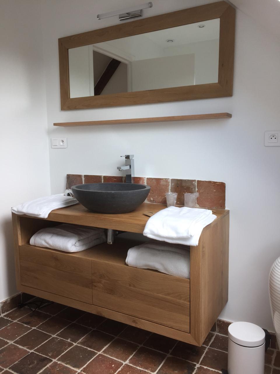 Salle de bain chambre mansardée