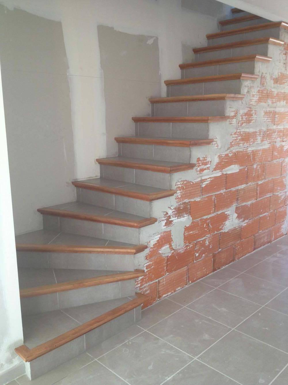 Fabrication Et Pose D Escalier En Beton Carrele A Carcassonne Et Toulouse