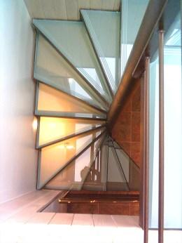 escalier-carre-verre