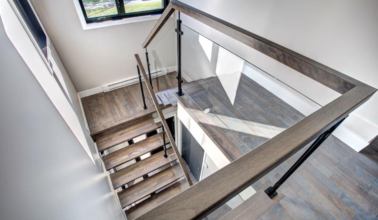Pourquoi faire affaire avec un fabricant d'escaliers?