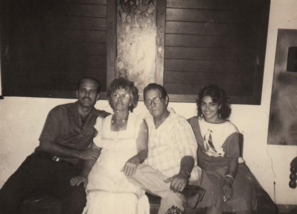 Junto a sus padres y a Adriana (Tomado de Escambray)