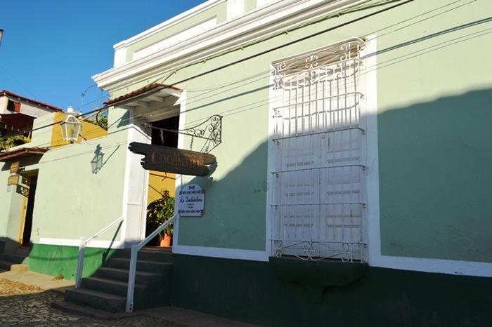 A poco metros de nuestra casa se encuentra la taberna La Canchánchara