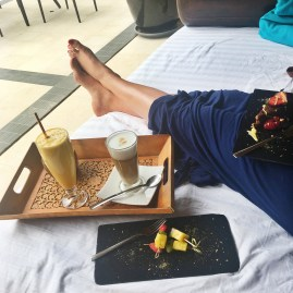 Tasty desserts in Shanti Som Wellbeing retreat offered by SIS Spa in Spain